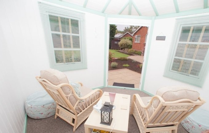 garden room furnishing