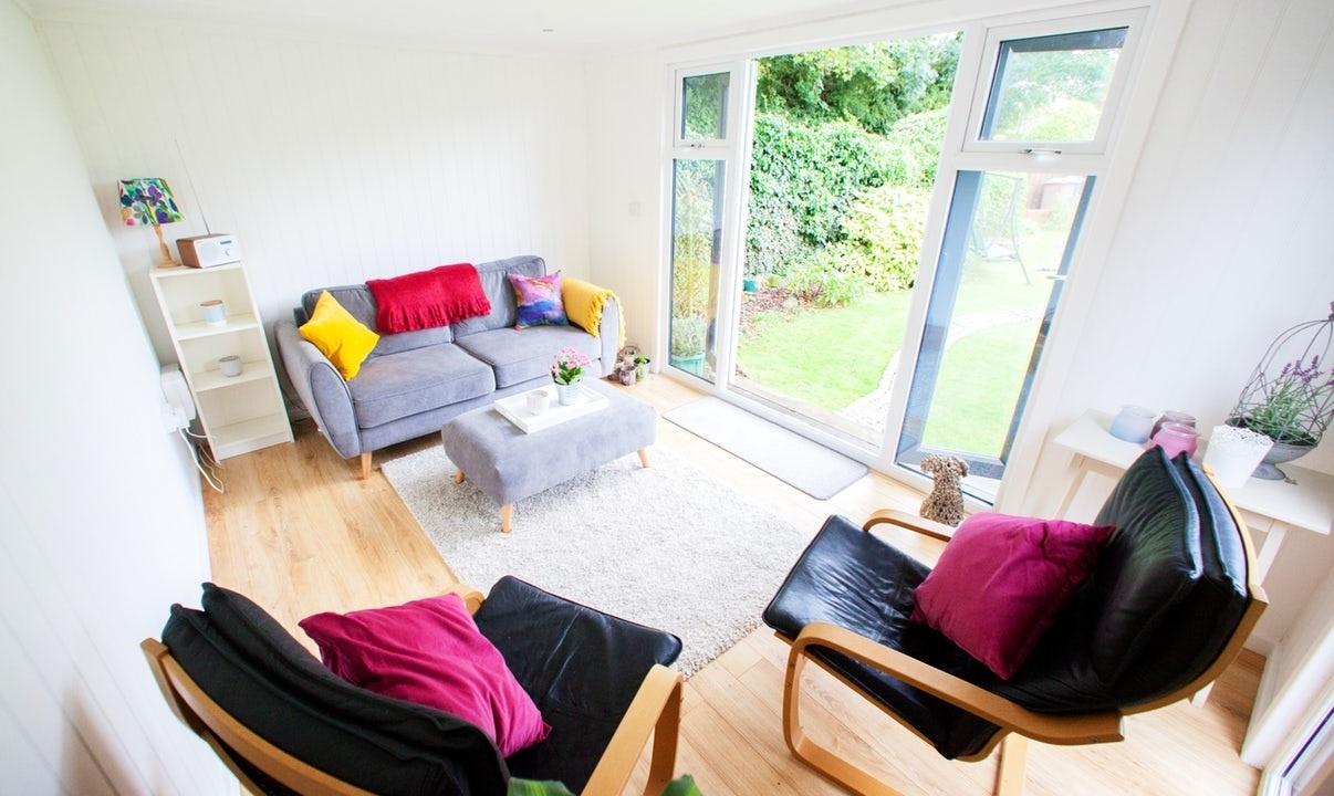7 Fabulous Garden Room Furniture Ideas