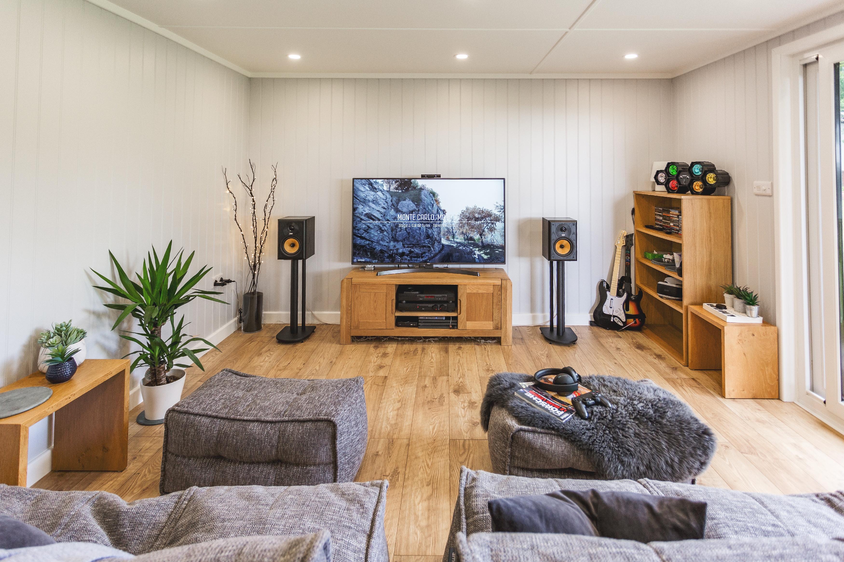Modern garden rooms - Tv lounge area