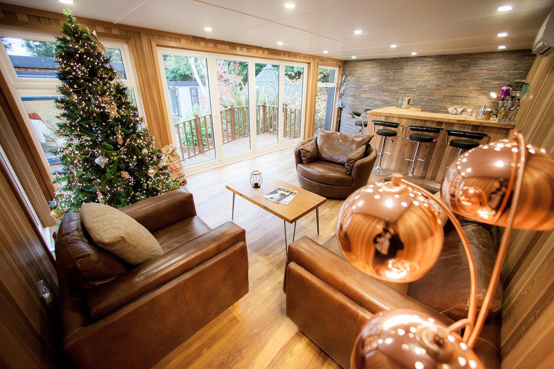 christmas-cabin-master-garden-building-bar-entertainment-room