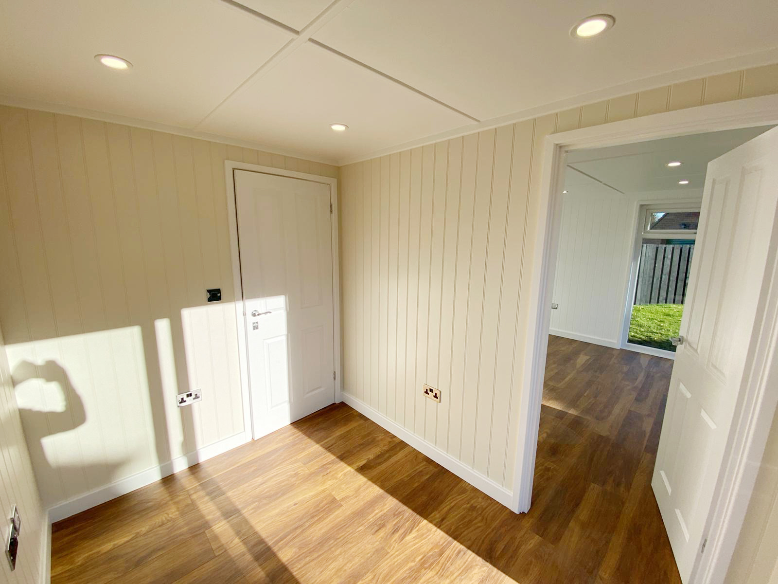 Cabin Master - Stallard  6m x 4m - Redwood - Alexs Team _04