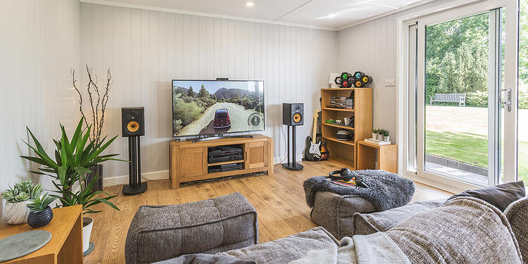Cabin Master - Woodland - Multi - Cedar - 04a