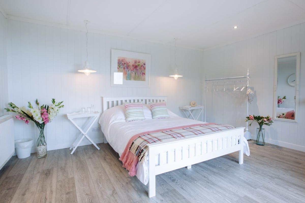 bedroom - garden room.jpg