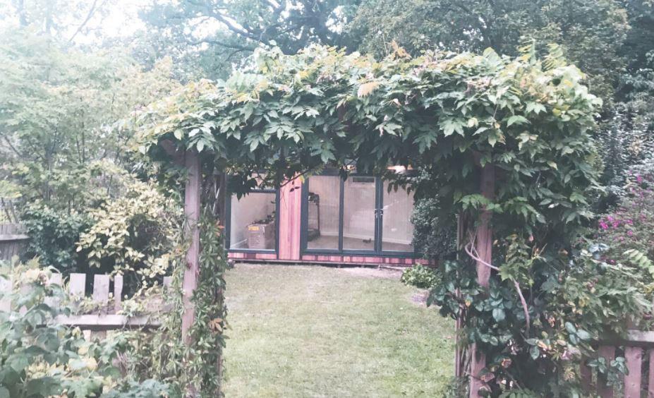 5 Charming Rustic Garden Room Ideas.jpg